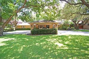 Dallas TX Home For Sale 10824 Saint Michaels