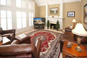 3925 Sagamore Hill Living Room