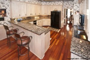3925 Sagamore Hill Kitchen
