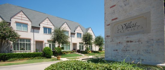 Villas at Lake Vista - Coppell TX Townhomes