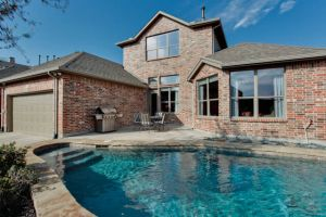 Pool home in Frisco Texas