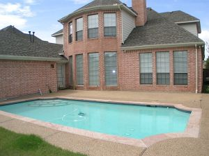 pool-homes-in-allen-tx